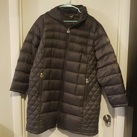 a1f88a2e853f7 Gray Michael Kors packable down coat 1x. M 5b898c6a9fe486c9f20db3b8